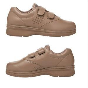 Propet Vista Walker Tan Sneaker Size 9